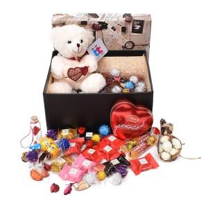 پک هدیه شکلات و عروسک سایز 4 کد H043