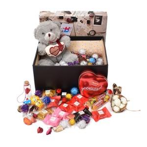 پک هدیه شکلات و عروسک سایز 4 کد H044