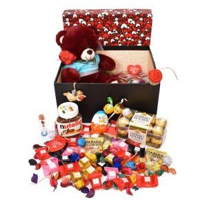 پک هدیه شکلات و عروسک سایز 1 کد H036
