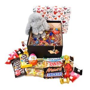 پک هدیه شکلات و عروسک سایز 3 کد H016